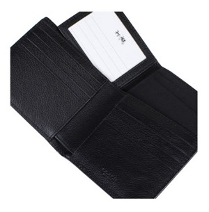 COACH 經典皮革壓紋兩折式小牛皮銀包(附卡夾) – 黑色2